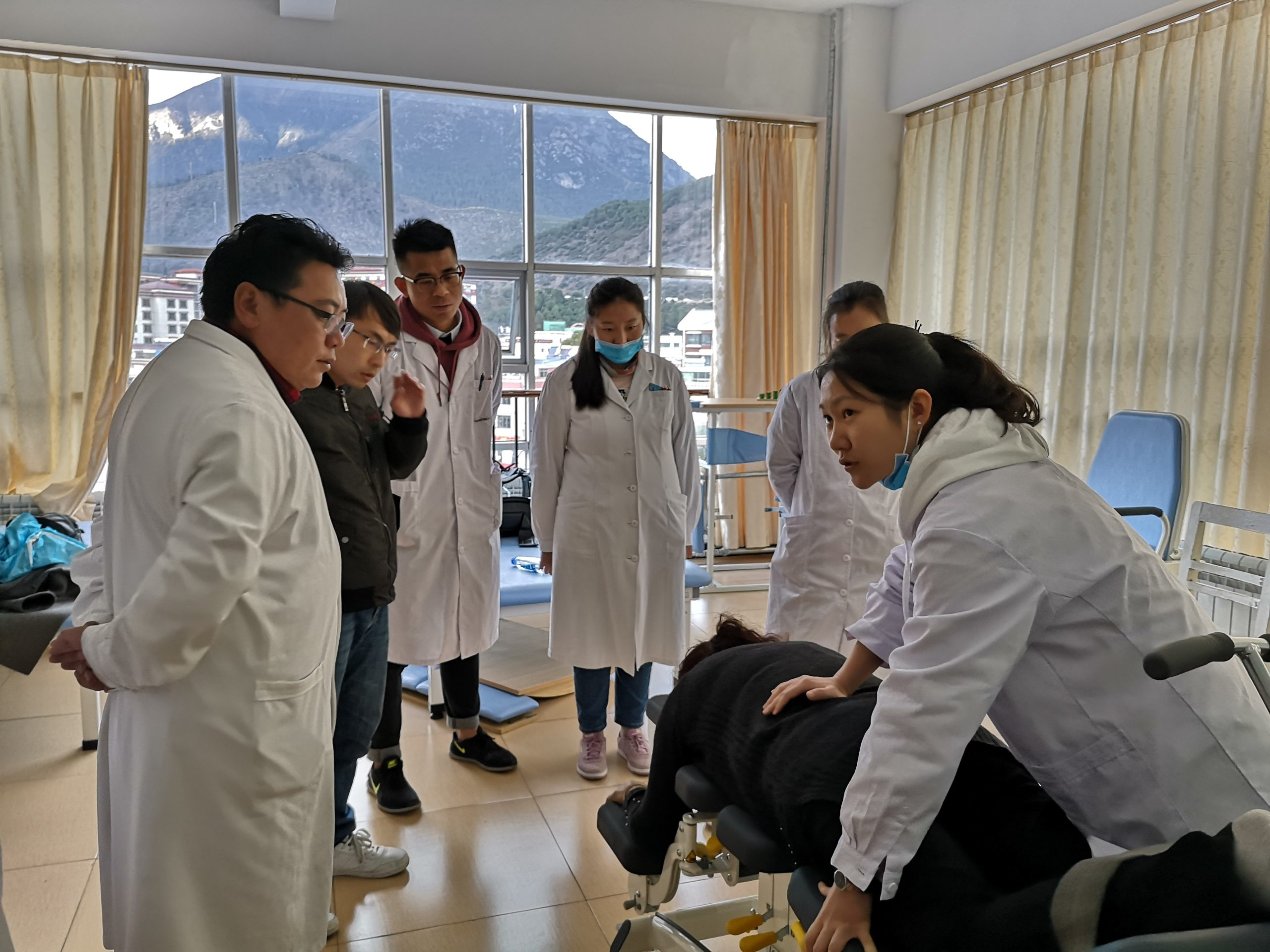 China – Treating 10-20 patients a day without fatigue